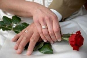 Amarre de amor para que te pida matrimonio