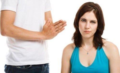 Conjuros para que tu pareja no te deje