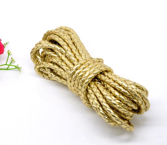 Hechizos de amor con la cuerda dorada