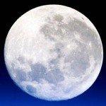 Conjuros para que tu amor toque tu puerta con la Luna llena
