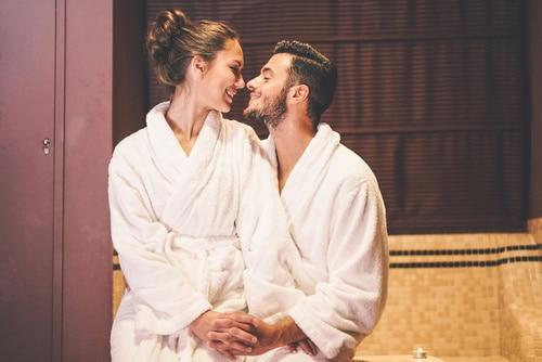 Hechizos de amor para que tu pareja solo te mire a ti